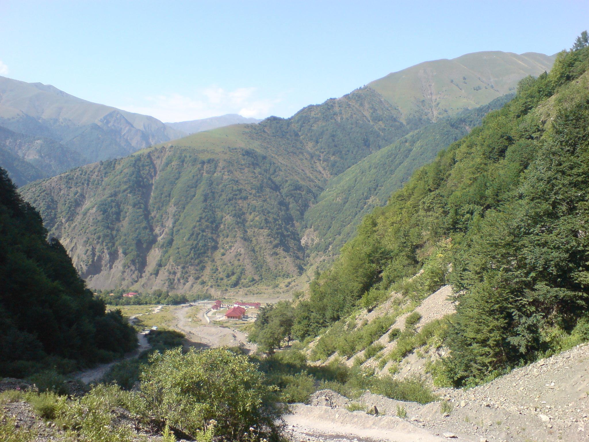 Кавказские горы гахский район